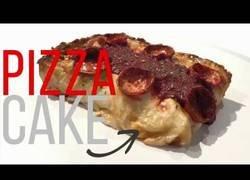 Enlace a Inventan la pizza en forma de pastel