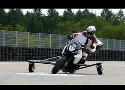 Enlace a Presentan un nuevo modelo de estabilidad para motos creado por Bosch