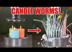 Enlace a La sorpresa cuando aplastas unas velas con la prensa hidráulica