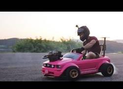 Enlace a Tunean el coche de Barbie para hacerlo lo más potente posible