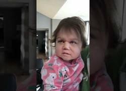Enlace a Le pone un filtro a su hijo pequeño y es lo más raro que has visto en mucho tiempo