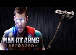 Enlace a Forjan el arma que usa Thor en Infinity War y el resultado es asombroso
