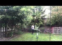 Enlace a Jugar a lacrosse en el jardín no es buena idea