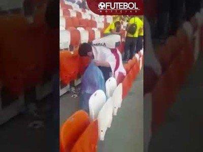 Está dando la vuelta al Mundo este gran gesto de la afición de Japón limpiando el estadio tras su partido frente a Colombia