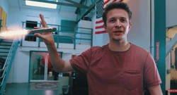 Enlace a Este artista experto en efectos especiales nos muestra como de grandes son los cohetes de Elon Musk