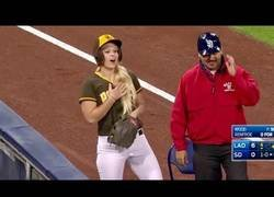 Enlace a Un gran reconocimiento a las recogepelotas de la MLB