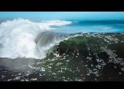 Enlace a Koa Smith ha surfeado una ola de 1.5km y las cámaras lo han captado
