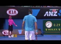 Enlace a Los golpeos más sorprendentes de Federer que dejó al mundo boquiabierto