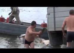 Enlace a Nunca cargar un camión cerca del agua fue tan mal