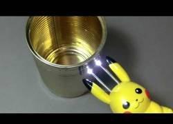 Enlace a Inventan el taser con forma de Pikachu que aprovecha al máximo su impactrueno