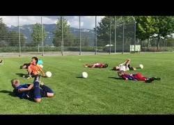 Enlace a Este grupo de niños ha practicado la jugad estrella de Neymar en el Mundial de Rusia