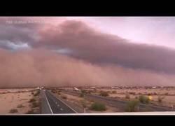 Enlace a La terrorífica tormenta de arena que se vivió en el desierto de Arizona hace pocos días