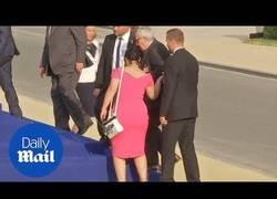 Enlace a Así llegó Juncker, el presidente de la Comisión Europea, a la cumbre de la OTAN