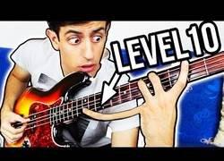 Enlace a Los 10 niveles tocando el bajo