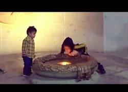 Enlace a Este niño apagó el fuego de la libertad que llevaba 200 años encendido