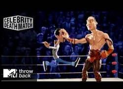 Enlace a El momento cuando el humorista Chris Rock luchó contra Dwayne Johnson