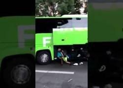 Enlace a El gran robo a este autobús turístico en Francia mientras celebraban el Mundial de fútbol