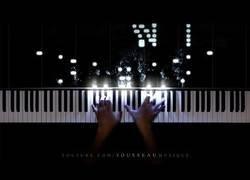 Enlace a La interpretación de este youtuber con un gran tema con su piano de LED para celebrar los 100.000 suscriptores