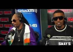 Enlace a Le piden a Snoop Dogg un freestyle y termina haciendo una canción