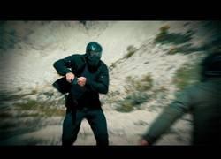 Enlace a Ponen a prueba a una persona con cuchillo frente a otro con una pistola y el resultado es revelador