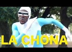 Enlace a El divertido tema del baile de La Chona por Frozone