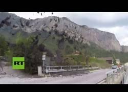 Enlace a La tremenda 'erupción' de barro que ha tenido en vilo a esta población de Suiza