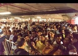 Enlace a Tensión máxima en la apertura del IKEA en la India