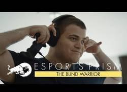 Enlace a Su nombre es Sven y aspira a ser jugador profesional de videojuegos siendo ciego jugando a Street Fighter