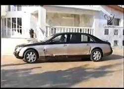 Enlace a El propietario del Steaua de Bucarest arreglando su coche de 700.000$ en plena calle