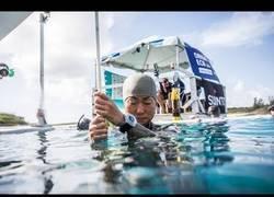 Enlace a La japonesa Sayuri Kinoshita bate el récord mundial de inmersión a pulmón libre (97 metros)
