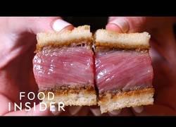 Enlace a En este restaurante de NY te venden 6 trozos de sandwich por 85$
