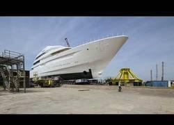 Enlace a La construcción de este barco de 87m que tardó en construirse 3 años resumido en 5 minutos