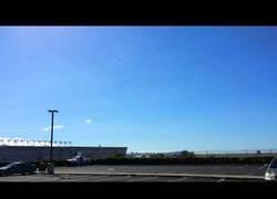 Enlace a Dos F-22 sobrevuelan y se ponen en vertical sobre el cielo de Hawaii