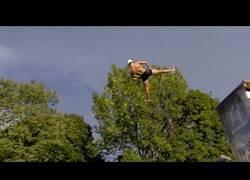 Enlace a La final de los saltos de la muerte (Campeonato del mundo de planchazos 2018)