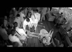 Enlace a Brutalísima paliza en una discoteca