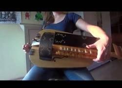 Enlace a Esta chica interpreta una canción de Lamb of God con una zanfona y el resultado es brillante