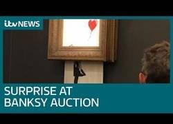 Enlace a Así de rápido se destruye un cuadro de Banksy tras ser subastado por 1.4 millones