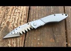 Enlace a La review del peor cuchillo jamás creado [Inglés]