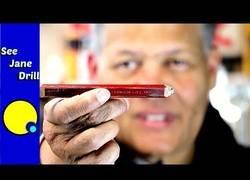 Enlace a Secreto desvelado: el motivo por el que los lápices de los carpinteros es plano