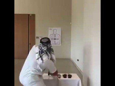 El duro entrenamiento en medio oriente practicando la puntería