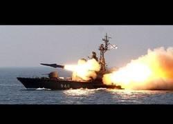 Enlace a Lanzamiento de misil falla épicamente