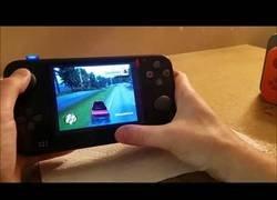 Enlace a Logran convertir una PlayStation 2 en portable por primera vez y el resultado es épico