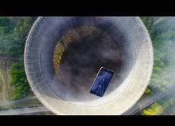 Enlace a Lanzan un Iphone a una planta nuclear [Inglés]