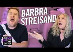 Enlace a Carpool karaoke con Barbra Streisand