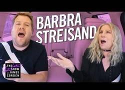 Enlace a Carpool karaoke con Barbra Streisand