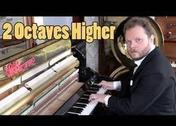 Enlace a Tocando 2 octavas más alto