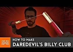 Enlace a Cómo hacer el Billy Club de Daredevil [subtítulos]