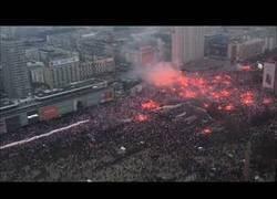 Enlace a Los polacos celebran su 100 aniversario desde la independencia