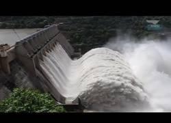 Enlace a Si siempre has querido ver una presa de agua abierta, mira este video