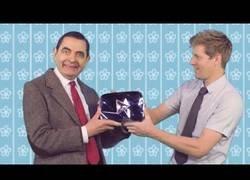Enlace a Mister Beans recibe el botón de plata por su canal